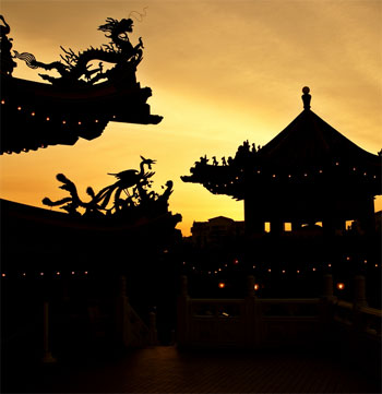 Budhist Temple at sunset
