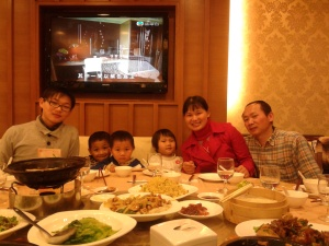 Mark & his volunteers took the Au Family to dinner one night last year for their weekly visit.